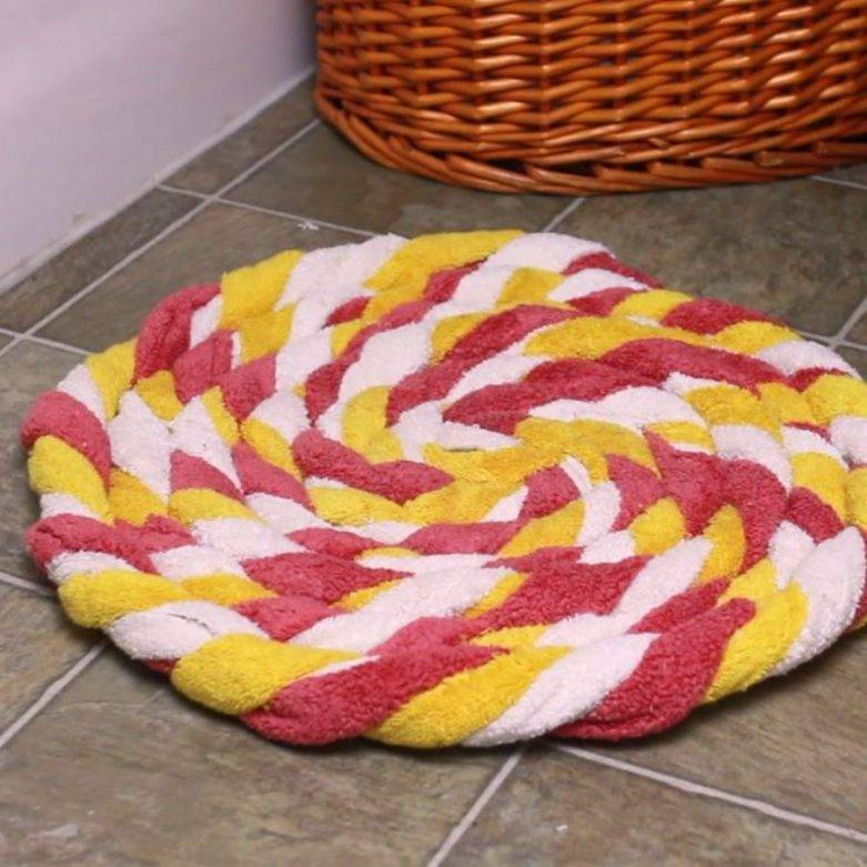 Как сделать коврики из старых вещей своими руками?