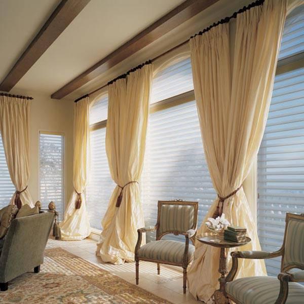Гостиная с двумя окнами — 85 фото вариантов стильного дизайна