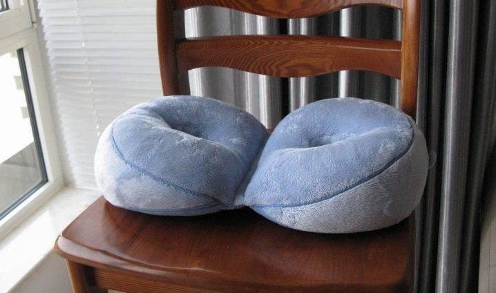 Выбираем ортопедическую подушку на стул; кому и когда она необходима?