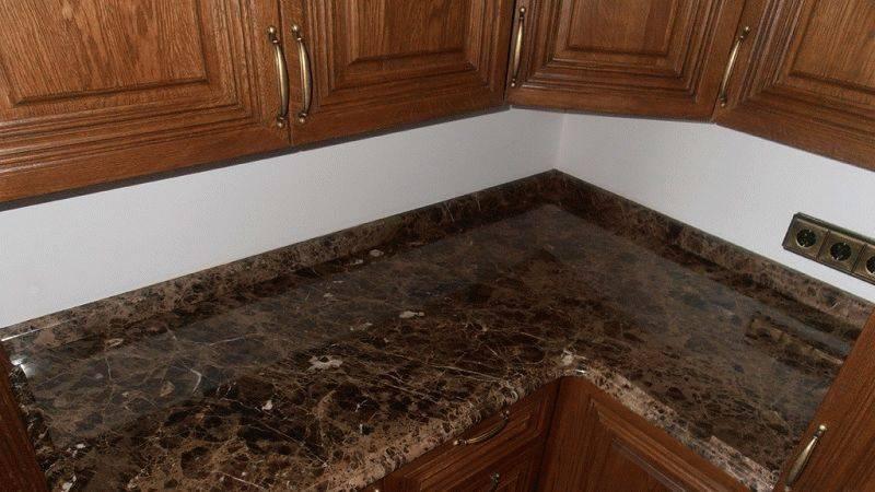 Плинтус для кухни — рекомендации по выбору. установка кухонного плинтуса. 120 фото плинтусов для кухни лучшего качества!