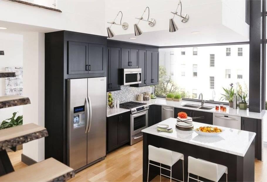 Размещение холодильника в квартире, варианты и способы его спрятать