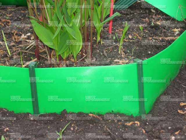 Ограждения для грядок: заборы и ограды на огороде, варианты из дпк