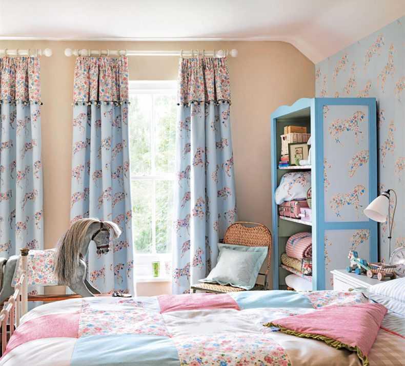 Шторы в детскую комнату (91 фото): современные занавески из органзы деворе в спальню, готовые зеленые шторы для девушек 2021