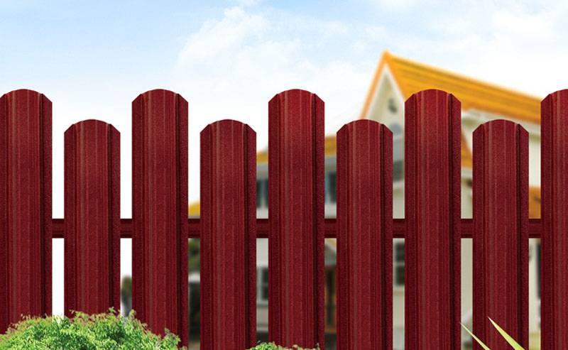 Забор из металлического штакетника: способы устаноки, расчет