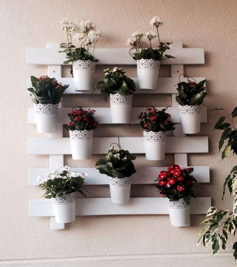 Полки для цветов: своими руками, напольная, на стену, деревянные стеллажи, угловые, этажерка
