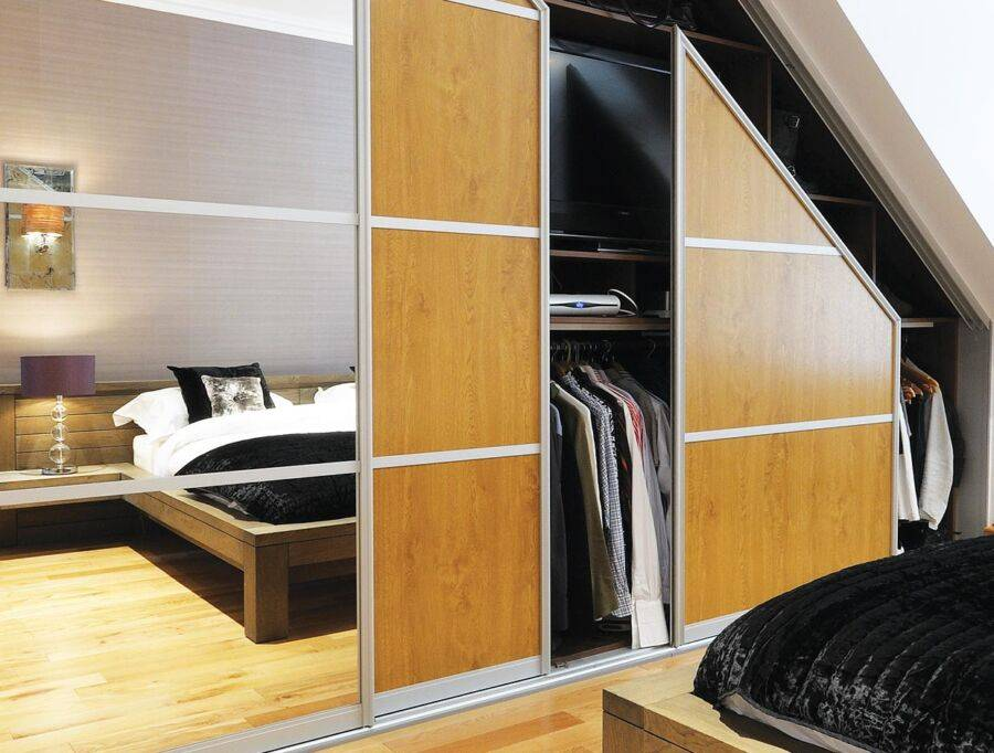 Шкаф в спальню: 150 фото новинок. примеры красивого дизайна и сочетания современной мебели для спальни