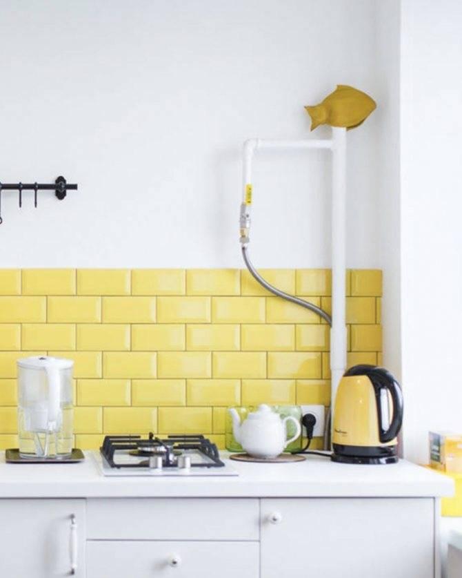 Как спрятать трубы на кухне: несколько способов и советы