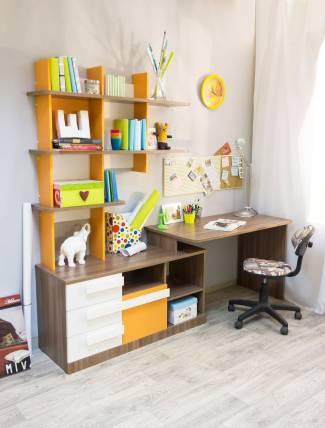 Детский письменный стол — виды моделей. как выбрать?