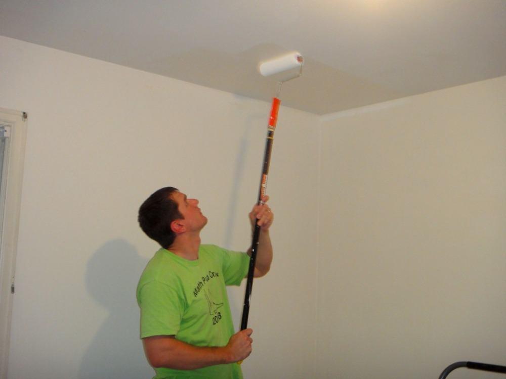 Чем покрасить потолочную плитку из пенопласта: можно ли красить, как покрасить плитку на потолке, как обновить пенопластовый потолок, какой краской лучше красить