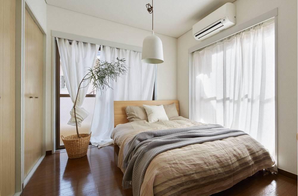 Спальня с двумя окнами на одной и разных стенах - «интерьер спальни» » «дизайна интерьера»