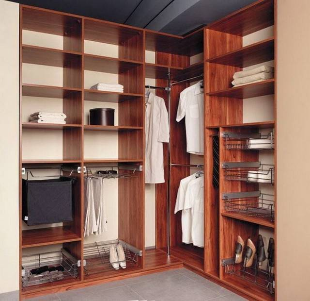 Встроенный шкаф-купе в прихожую: идеи и фото