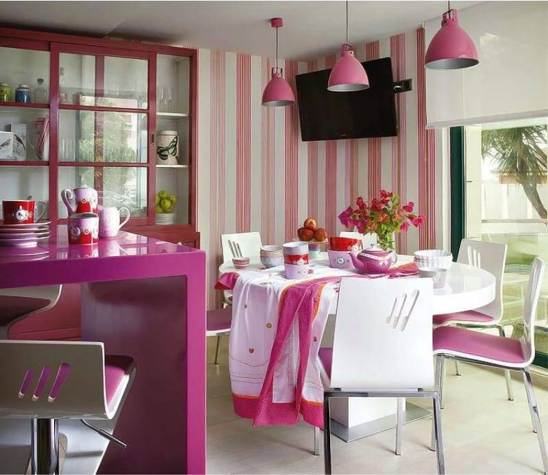 Использование розового цвета в кухонном интерьере