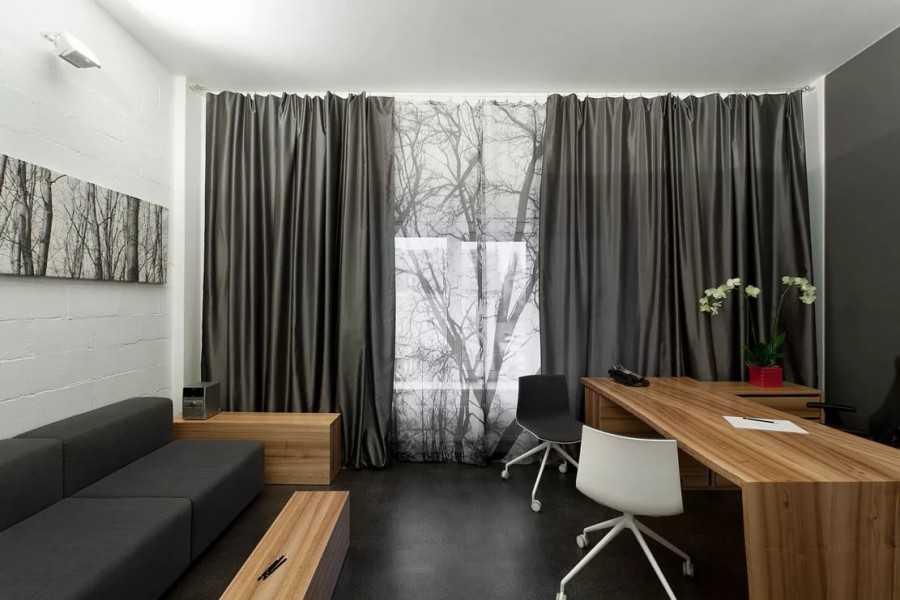 Серые шторы в интерьере гостиной, спальни: сочетание - 43 фото