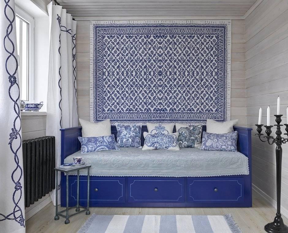Интерьер в стиле сине-белой гжели