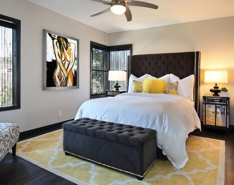 Спальня с диваном: особенности дизайна, варианты оформления