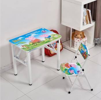 Детская со столом у окна: особенности зонирования, разные варианты установки мебели - 24 фото