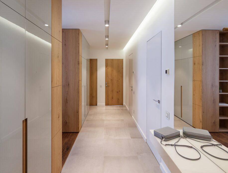 Прихожая в частном доме: нюансы дизайна прихожей в частном доме. выбор стилистики и цветовых решений. материалы отделки. фото и видео-обзоры