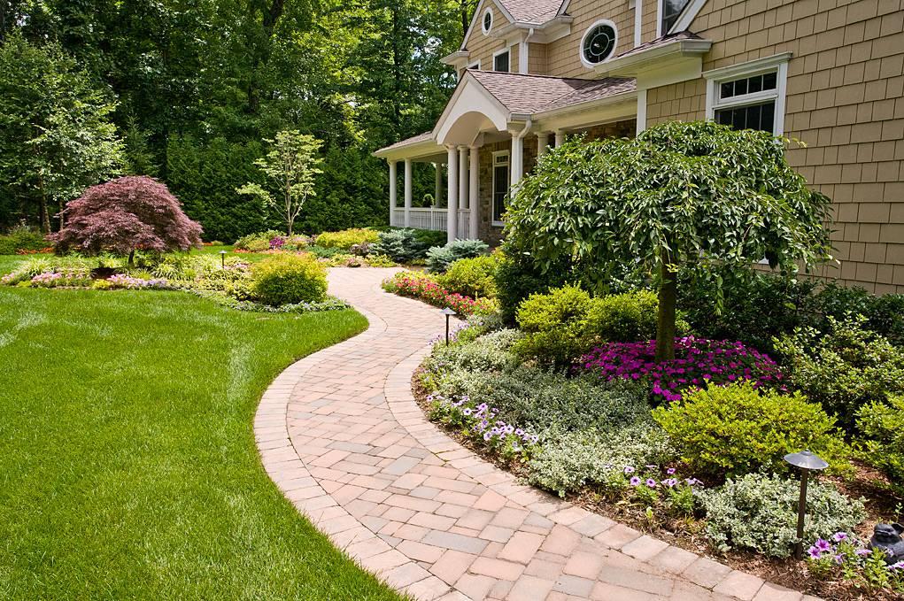 Ландшафтный дизайн загородного дома – идеи, как оформить ландшафт возле частного коттеджа своими руками + фото
