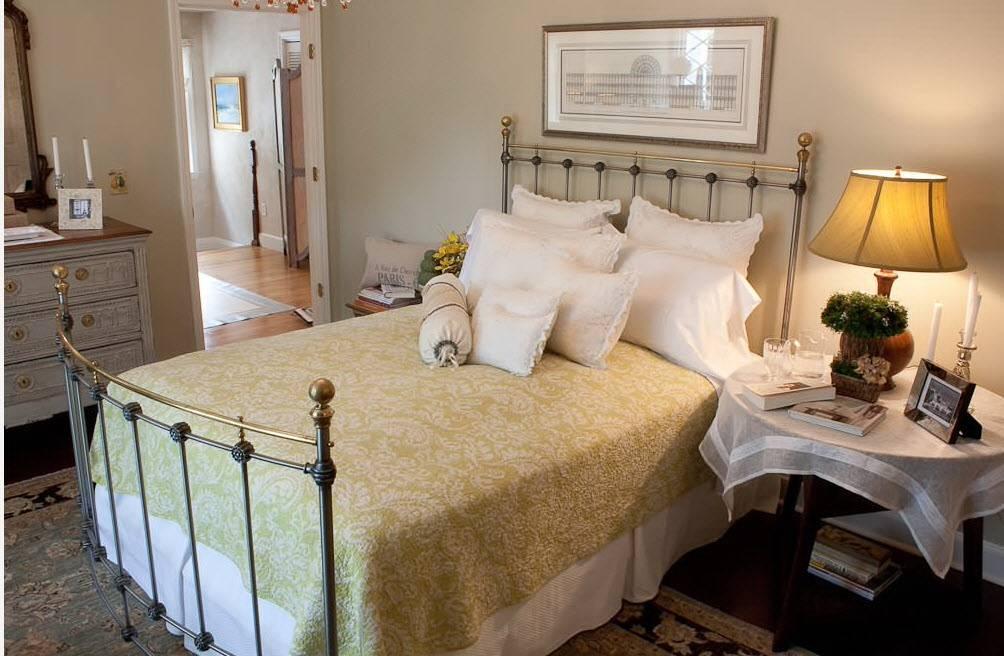 Изголовье кровати в спальне (200 фото новинок): примеры красивого дизайна и оригинального оформления