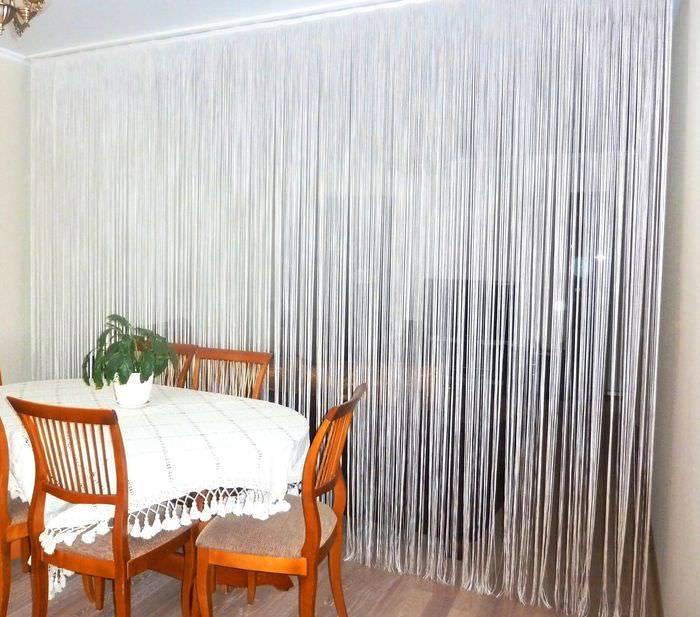 Кисея в интерьере: гостиной, кухни и зала- как красиво задрапировать +фото и видео