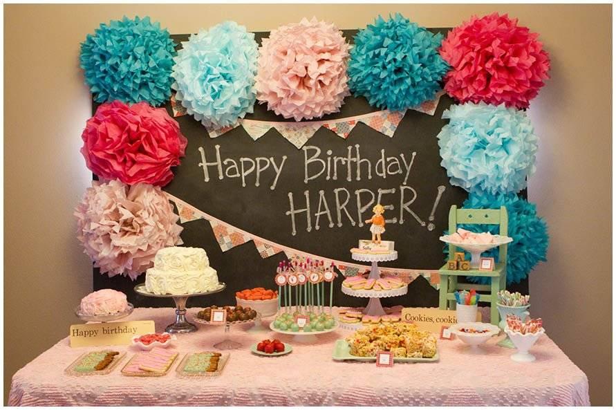 Украшения на день рождения: декор из гофрированной бумаги своими руками. как сделать их из салфеток девочке и женщине? праздничные украшения для мужчин
