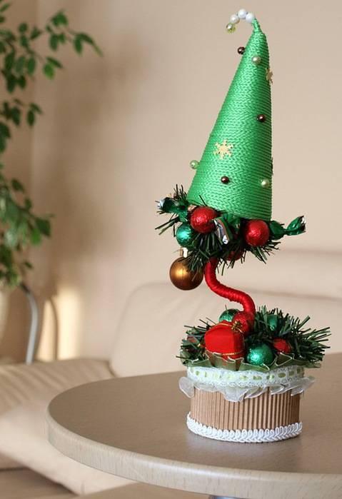 Новогодние топиарии: елка на столе