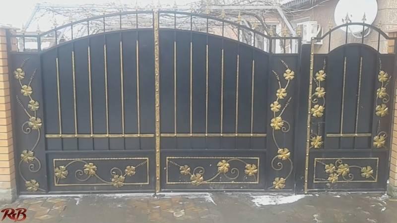 Как сделать красивые ворота и калитки из профнастила с элементами ковки для дачи и частного дома своими руками: видео, фото
