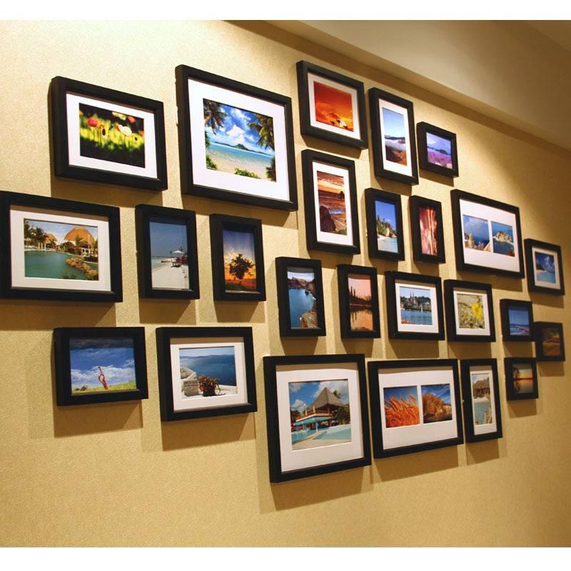 Как красиво повесить фотографии в рамках? 49 фото оформление стен рамками для фото в голубом цвете, другие фоторамки в интерьере