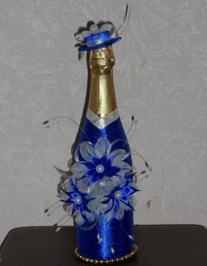 Очень красивый декор стеклянной бутылки джутовым шпагатом