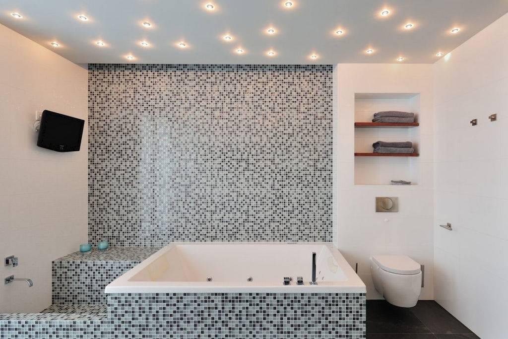 Тканевые натяжные потолки в ванной разбираем отзывы, плюсы и минусы: и какой лучше выбрать матовый или глянцевый