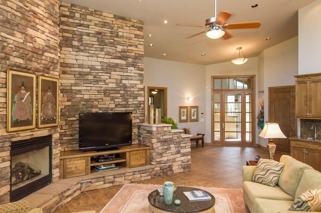 Декоративный камень в интерьере, облицовочный искусственный и натуральный камень для внутренней отделки стен - 49 фото