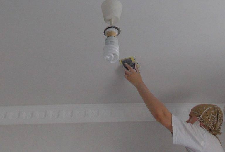 Чем и как покрасить старый пенопластовый потолок на кухне?