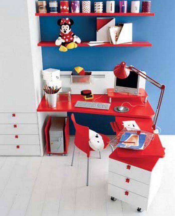 Стол в детскую комнату: лучшие идеи расположения и основные варианты выбора (80 фото)