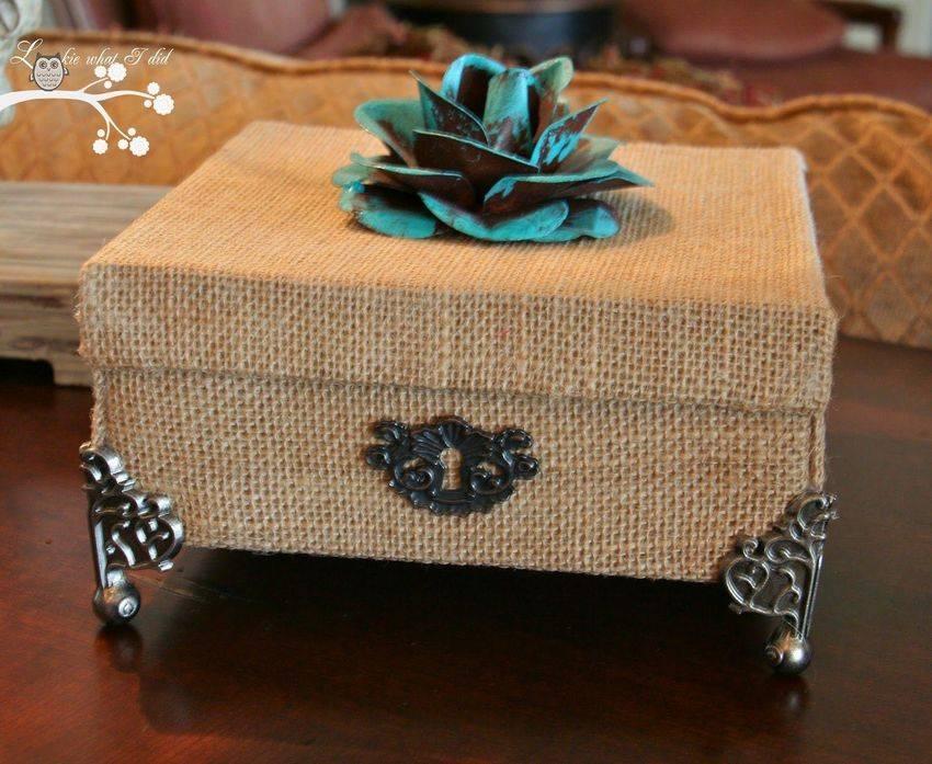 Коробка своими руками — способы оформления, идеи дизайна и примеры украшения элементов декора