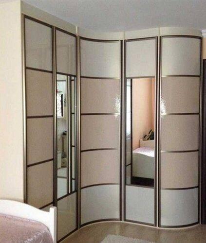 Шкаф-купе с зеркалом – подбор модели под интерьер комнаты и стильные варианты украшения (130 фото)