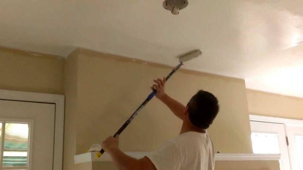 Как покрасить потолок без разводов, полос и неровностей