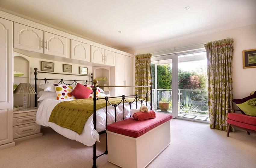 Спальня в однокомнатной квартире — как ее оформить и отделить кровать? 120 фото идей и вариантов
