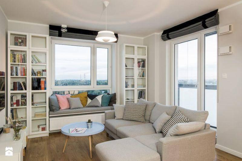 Гостиная с диваном посередине. как расположить угловые диваны в интерьере маленькой комнаты? фото и подсказки