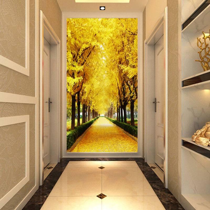 Выбираем обои, расширяющие пространство, в узкий коридор