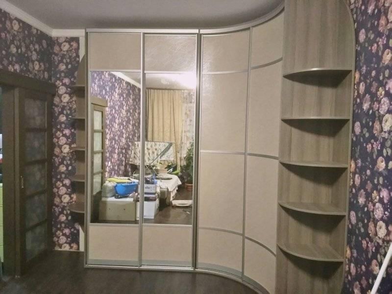 Угловой шкаф в прихожую: виды, материалы, цвета, дизайн и формы, внутреннее наполнение
