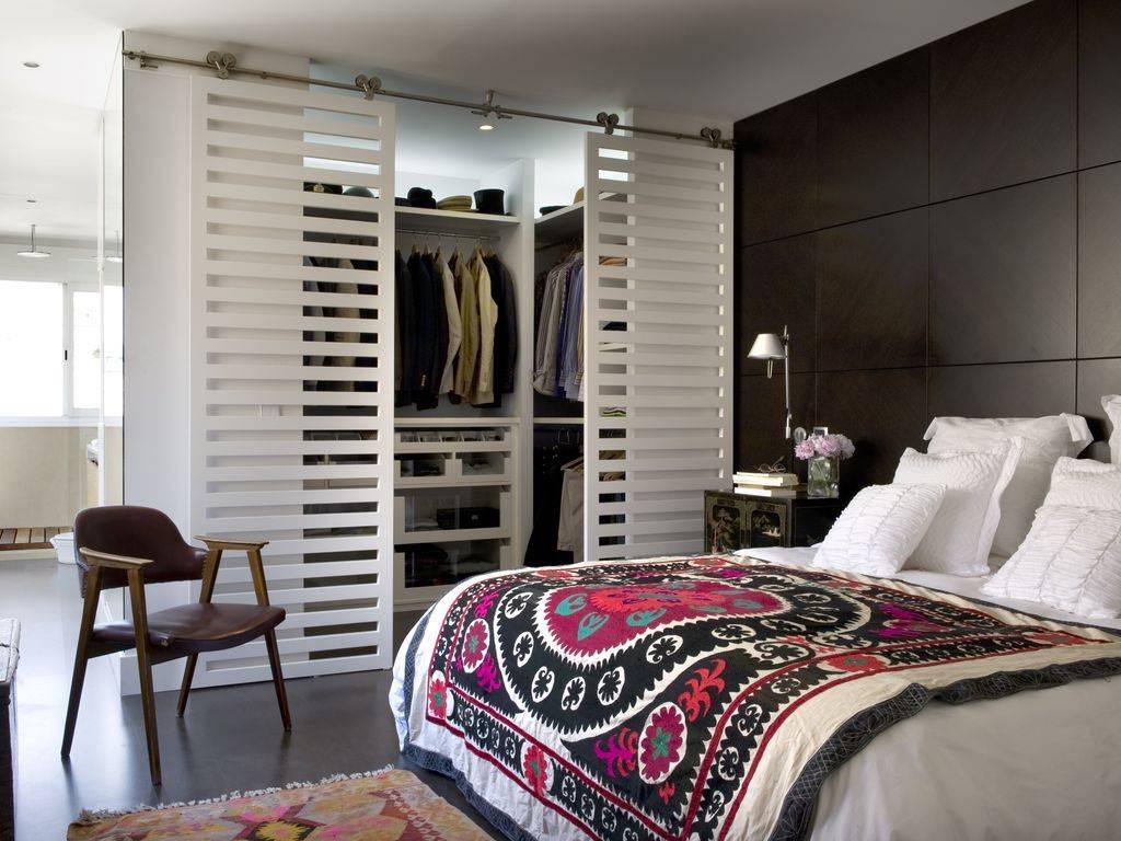 Гардеробная в спальне: 120 фото вариантов размещения в спальне небольшого размера, новинки дизайна и планировки