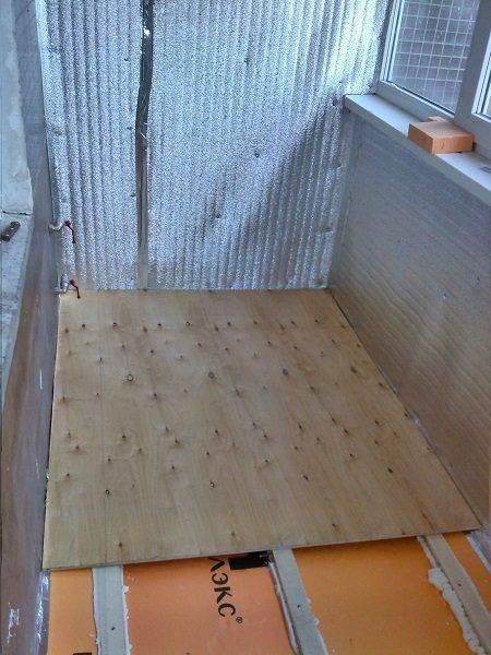 Как сделать пол на балконе своими руками: 5 лучших способов, пошаговые инструкции и особенности работ