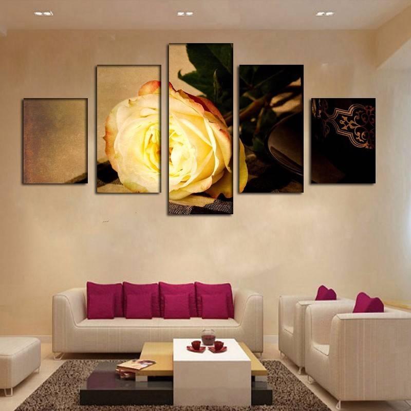 Варианты выбора модульных картин в интерьер гостиных комнат
