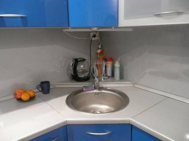Дизайн углового гарнитура для маленького кухонного помещения