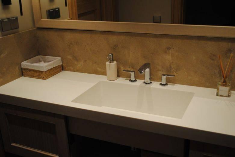 Столешницы в ванную комнату - как выбрать и сделать своими руками удобную и практичную столешницу (130 фото)