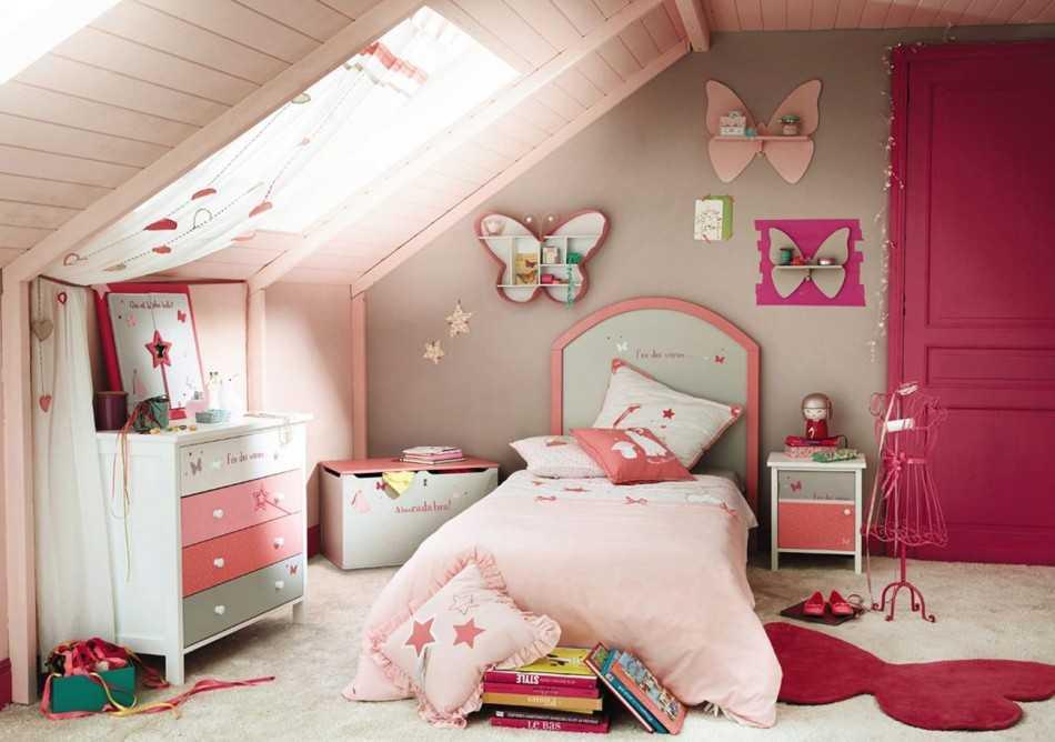 Интерьер мансарды в деревянном доме 47 фото красивых идей дизайна мансардного этажа на даче, уютные варианты примеры изнутри этажа