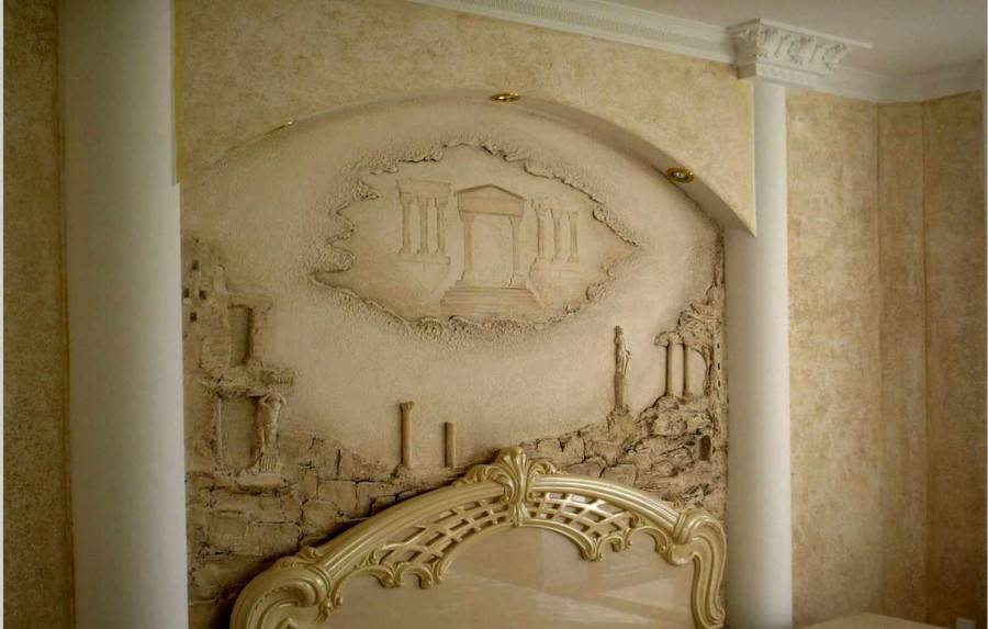 Барельефные изображения в интерьере: объемный декор
