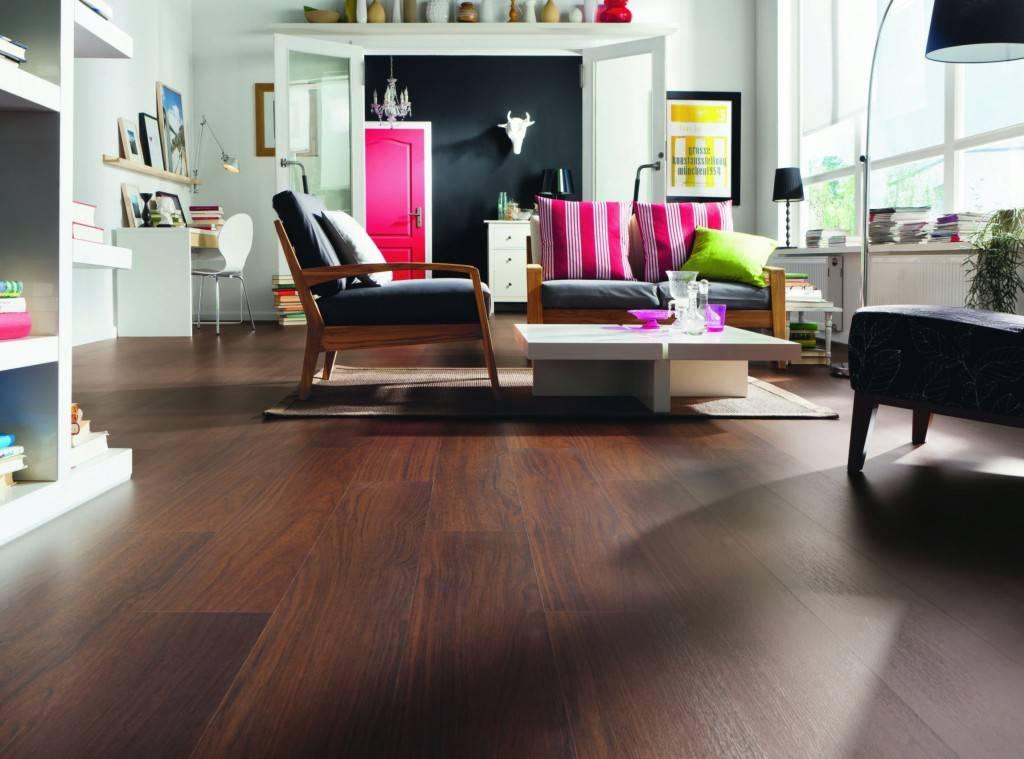 Линолеум в зал (24 фото): как выбрать линолеум для гостиной в квартире, какой цвет лучше, советы по выбору, плюсы и минусы