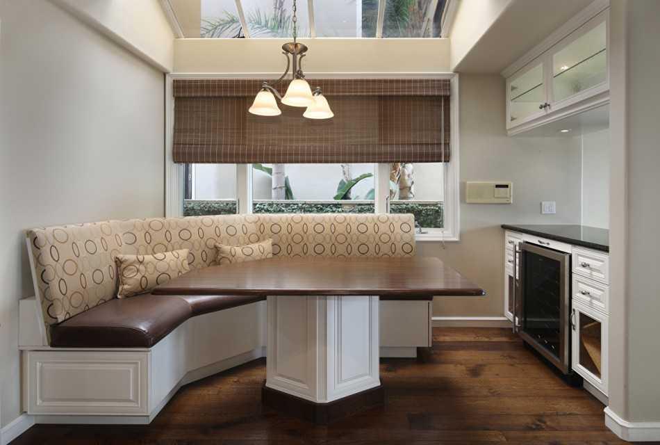 Дизайн кухни с диваном (55 фото): планировка маленькой прямоугольной кухни с барной стойкой, телевизором и угловым диванчиком
