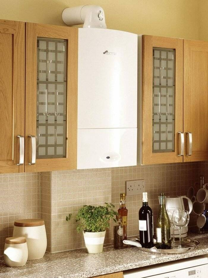 Как спрятать газовый котел на кухне с фото примерами